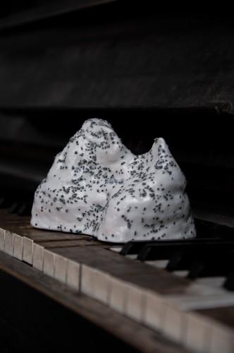 Porcelain mountain - white wisdom